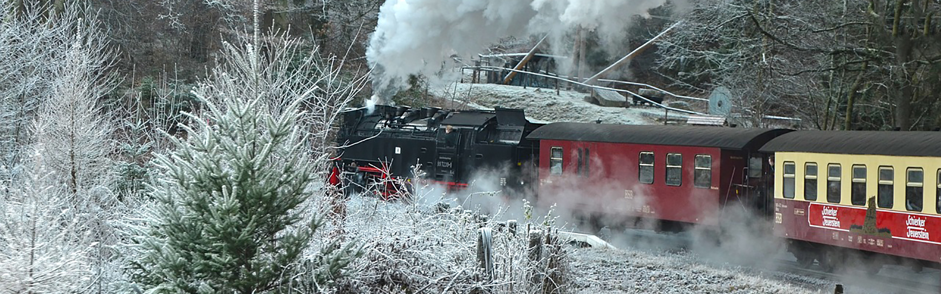 slide2-steam-locomotive-1921298_1280